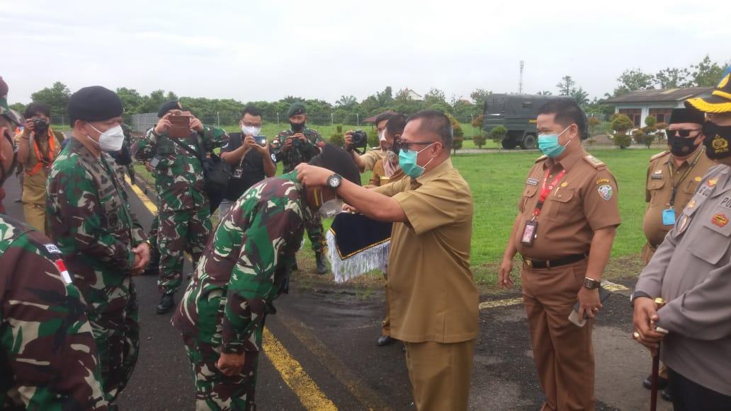 peringatan Hari Ulang Tahun (HUT) ke-75 Tentara Nasional Indonesia (TNI) di Malinau