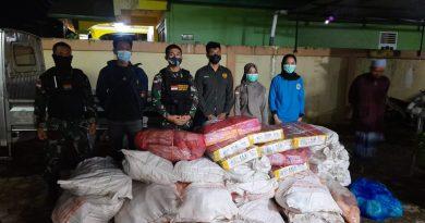 Satgas Pamtas RI – Malaysia Yonarhanud 16/SBC/3 Kostrad, Amankan 30 Bungkus Daging Ilegal Asal Malaysia di Sebatik
