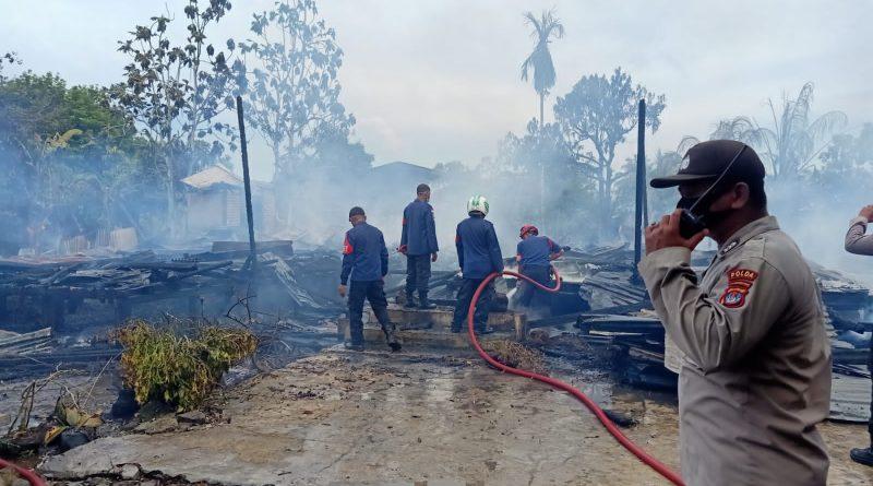 Diduga Akibat Korsleting Listrik, 6 Rumah Warga di Malinau Hilir Ludes Terbakar